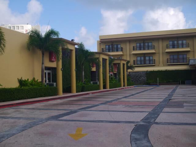 グアム・プラザホテル外観画像