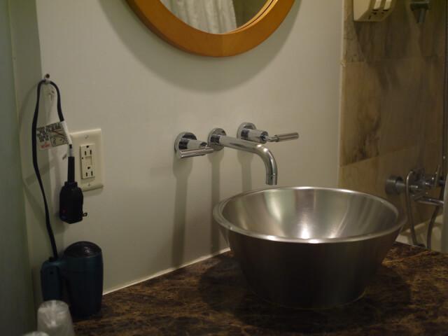 グアム・プラザホテル洗面台画像