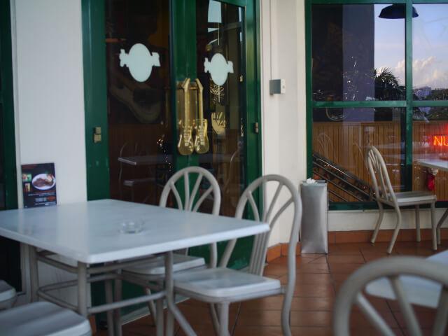 ハードロックカフェ オープンテラス席