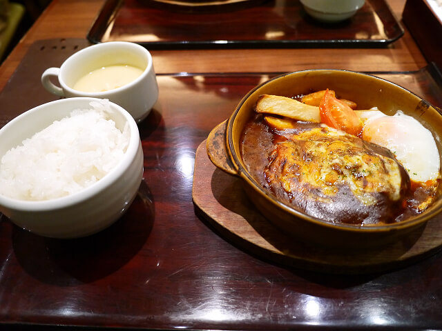 昔洋食 みつけ亭 阪急三番街店で食べたランチ画像