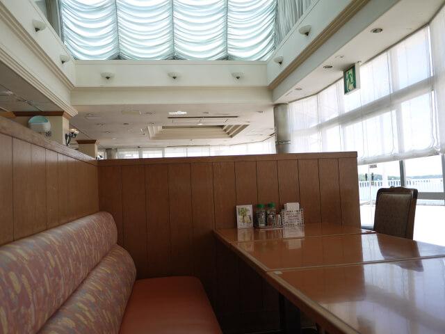 浜名湖サービスエリア 湖の見えるレストラン店内画像
