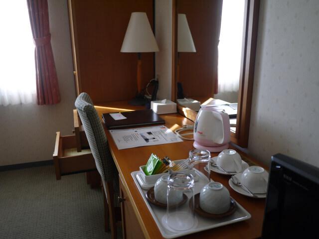 和歌山マリーナシティホテル 室内のデスク画像