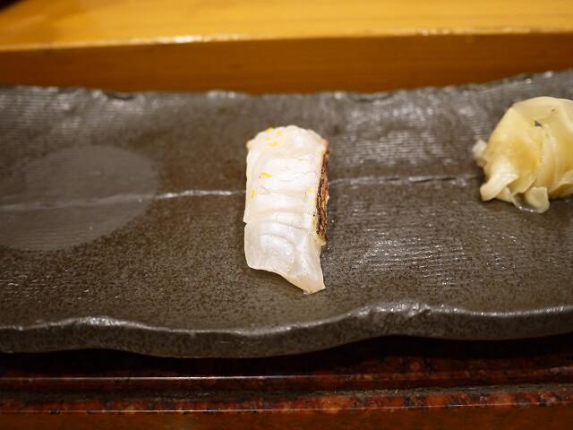 音羽茶屋新伊丹店 寿司コース スズキの炙り画像
