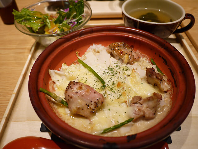 マルモキッチン 阪急梅田店 ランチの焼きカルボドリア画像