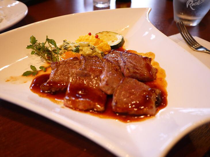 スカルペッタのサービスランチ 国産牛もも肉ソテー画像