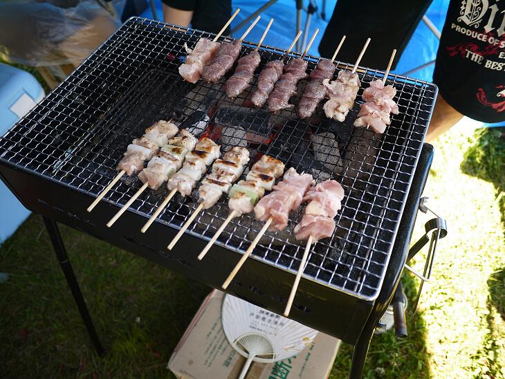 キャンプ2日目のご飯 焼き鳥画像