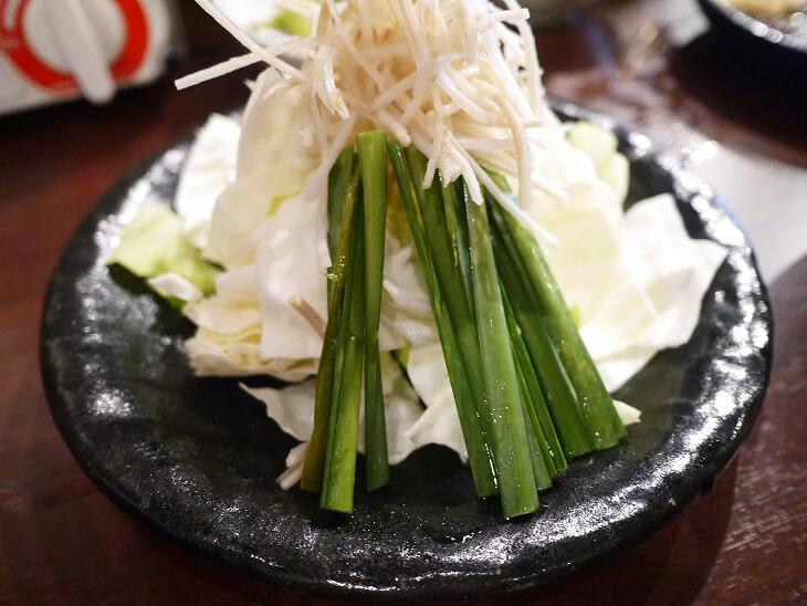 もつ鍋 田しゅう博多店の醤油もつ鍋のセットの野菜画像