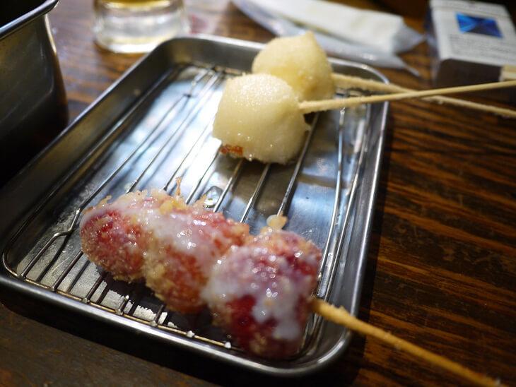 炭焼ホルモン七福 アイスクリームとイチゴの串カツ画像