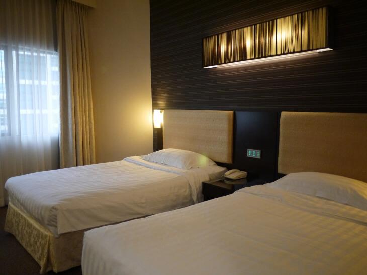 ホテル ロイヤル@クイーンズ ツインルーム室内画像