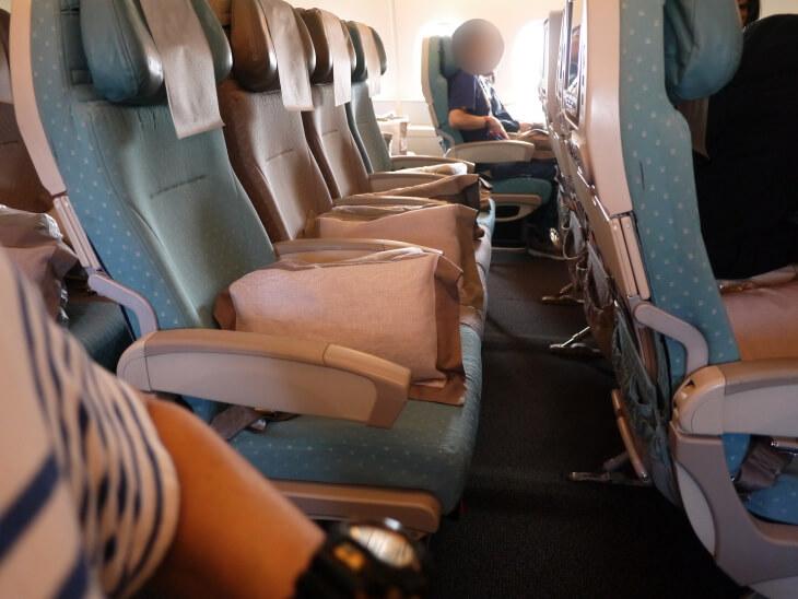 SQ619便(A380-800)Yクラス2-4-2配列座席シート画像