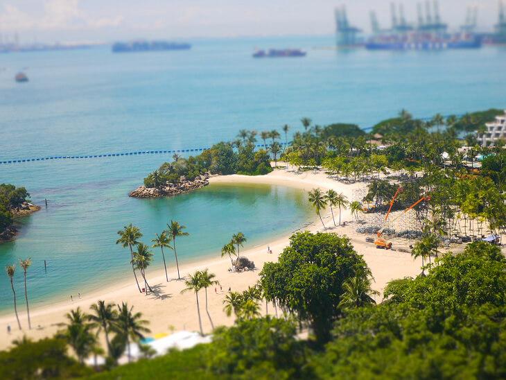 セントーサラインケーブル内から撮影したビーチエリア画像