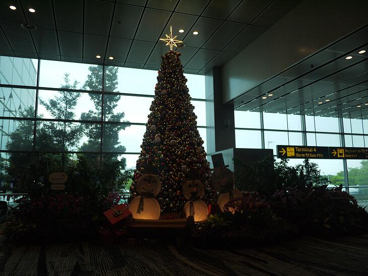 チャンギ国際空港ターミナル3クリスマスツリー画像