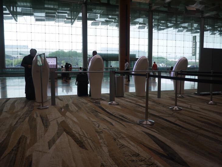 チャンギ国際空港ターミナル3 自動チェックイン機画像