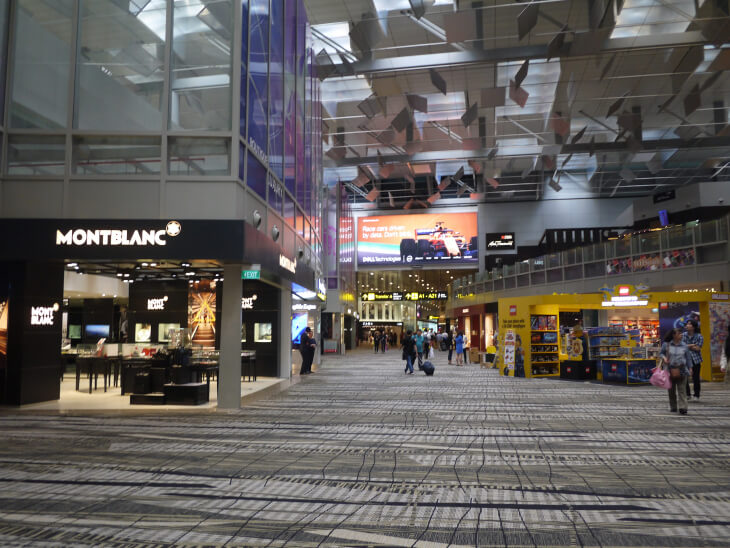 チャンギ国際空港ターミナル3免税店街画像