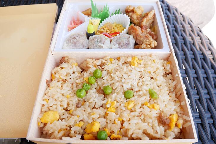 崎陽軒の炒飯(チャーハン)弁当の中身画像