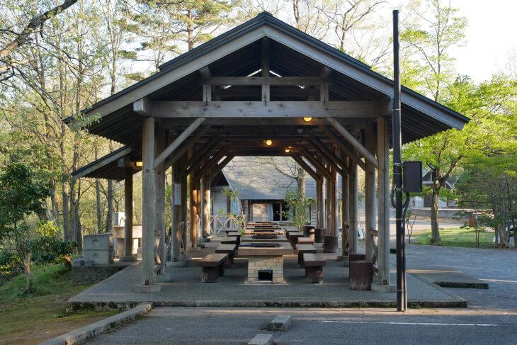 石川県健康の森バーベキュー舎画像