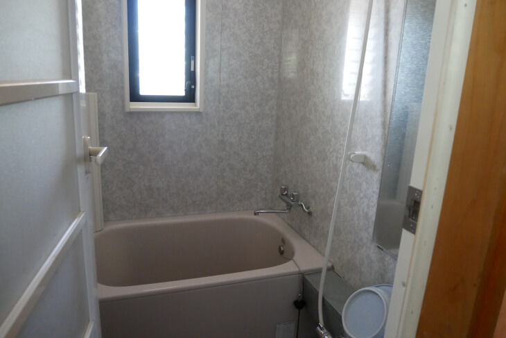 ログハウスうぐいすのバスルーム画像