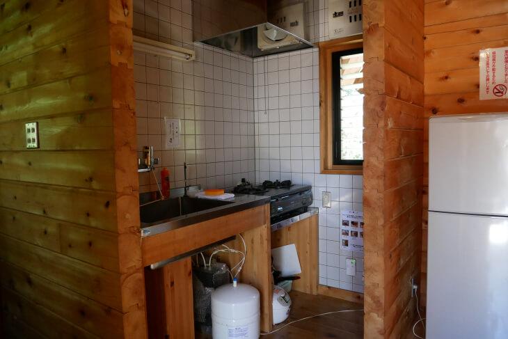 ログハウスうぐいす キッチンコーナー画像