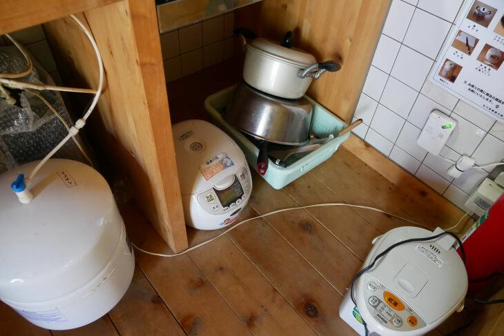 キッチンコーナーの調理器具画像