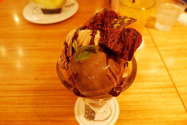 シャノワールのチョコレートパフェ画像