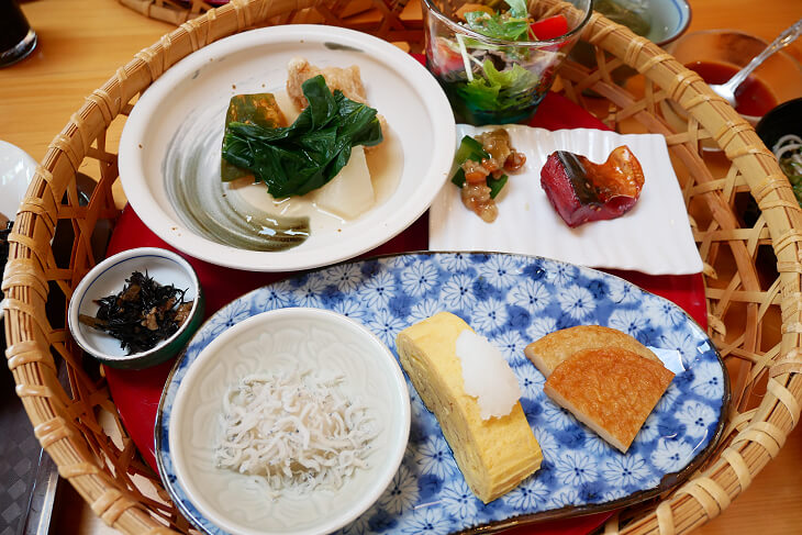 四季の郷 遊楽 メインの朝食画像