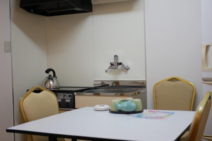 ペット専用コテージ 18平米の洋室内 キッチン画像