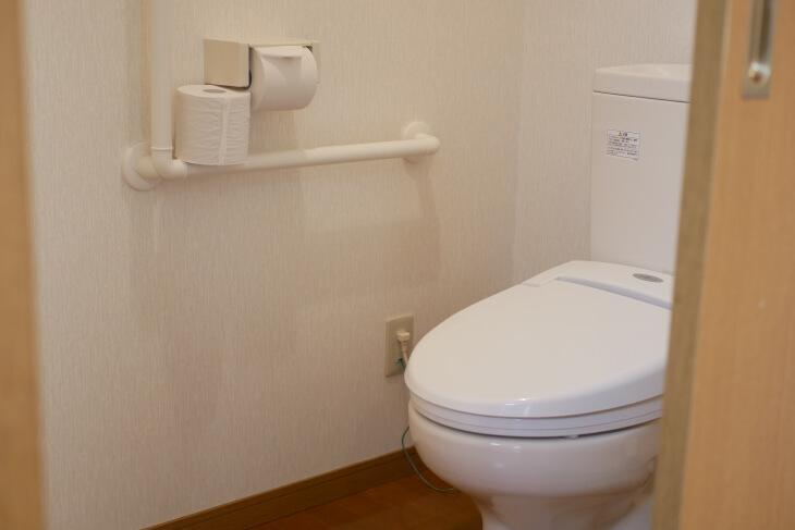 ペット専用コテージ 18平米の洋室のトイレ画像