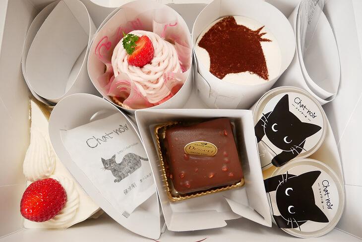 シャノワールで買ったケーキの詰め合わせ画像